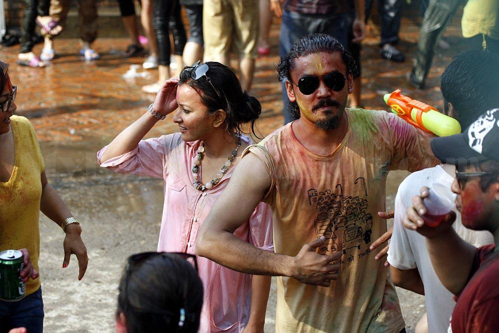 Namrata Shrestha Celebrating holi 2013 4